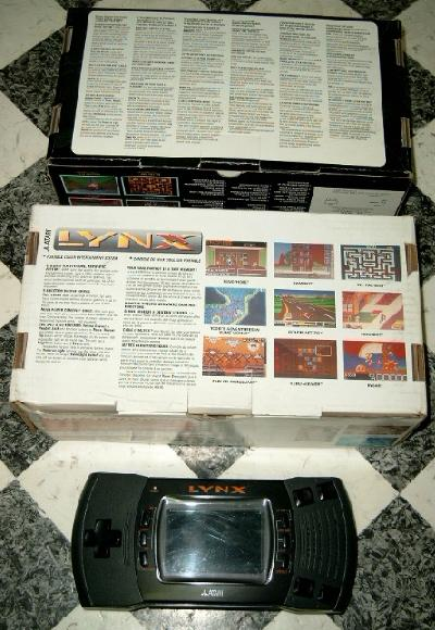 View at the bottom side of a Lynx II box